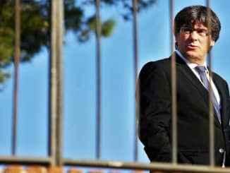 CARLES PUIGDEMONT'VE LOST to casu di preside più di la Generalitat de Catalunya .. grazi a GERMANIA