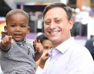 Haiti at ang Dominican Republic na ginagampanan ng mga ignorante, mahilig at walang puso na mga lalaki