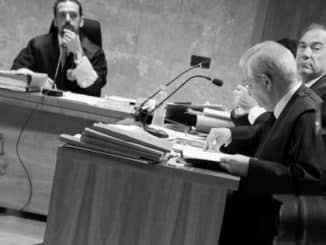 Undang-undang itu tidak begitu membutakan para hakim Spanyol, yang melihat bagaimana para politisi mencoba merusaknya