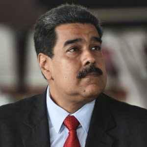 Un dictador venezolano está tardando demasiado en hacer las maletas, mientras a un éxodo inexorable le corroe la pena de una tragedia convertida en impotencia
