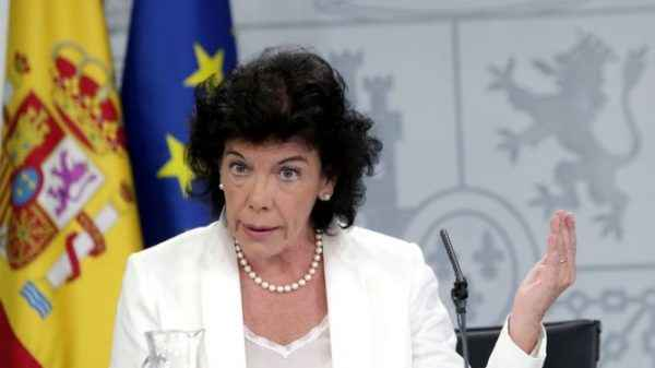 Ang Ministro Celaá ay nagdadala ng marupok na tinig ng pamahalaan ng Espanya sa paghahanap ng kalapati