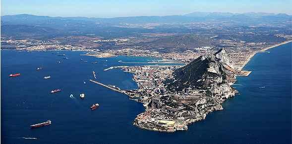 """Incidente en aguas """"compartidas"""" españolas y británicas, del que se aprovecha el primer ministro gibraltareño para llamar nuevamente la atención"""